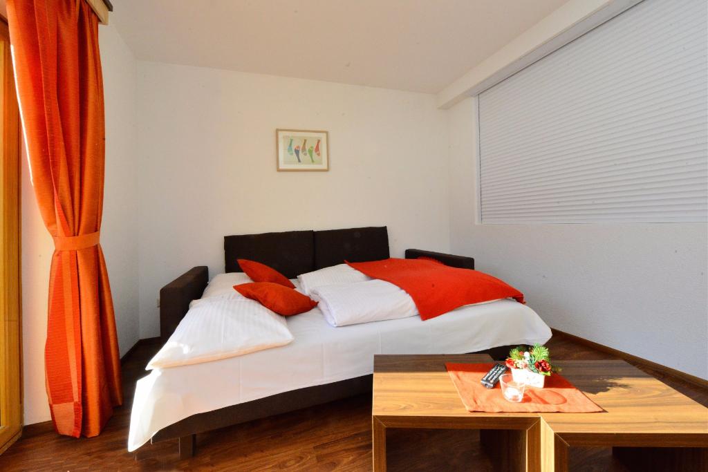 apartment f r 4 personen hotel wunder. Black Bedroom Furniture Sets. Home Design Ideas